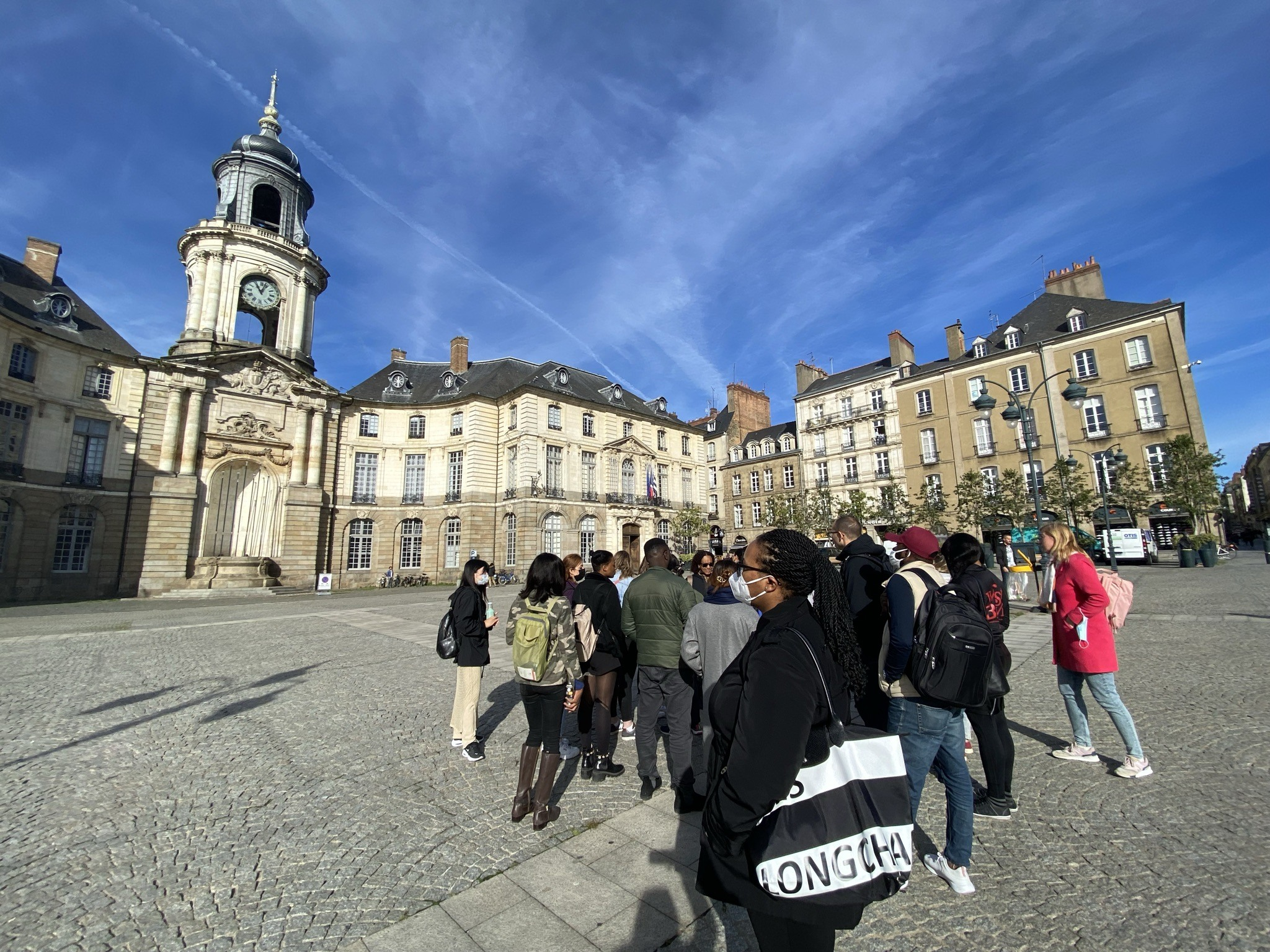 Students from English-taught Master IHRM on a historical tour of Rennes